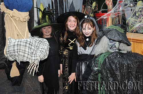 At the Kiddies Halloween Party in Lonergans L to R: Haley Carroll, Aisling Walsh and Andrea Carroll