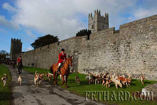Opening Meet of Tipperary Foxhounds in Fethard