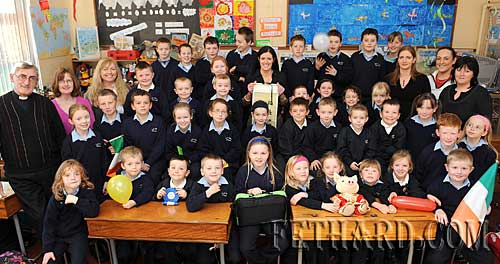 Pupils, teachers and staff members of Kilvemnon National School,