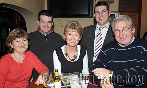 Taking part in the Fethard Day Care Centre Table Quiz were L to R: Joan Hayes, Richard Hayes, Fionnuala O'Sullivan, Cllr. Jimmy O'Brien and Liam Hayes.