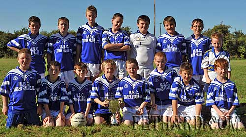 Pictured above is the U12 Rockwell Rovers players who attended Fethard Community Field Day last Sunday, 13th September, to play in an inter-club football blitz. The finalists were Rockwell Rovers and Ballingarry. The team was presented with a lovely cup from the Fethard GAA club and each player received a lovely gold medal as a memento of the day. Back L to R: Craig O'Connell, Raymond Kelly, Liam Fahey, Owen Cleary, Diarmuid Barron (goalie), Kevin Blair, Darragh Campbell, Kevin Cleary (mascot). Front L to R: Sean O'Connell, Tom Keating, Cillian English, David Murphy (captain), Conor Hickey, Walter Ryan, Colm Moloney and Fergus English. Well done to all the players. The referee was PJ Ahearn who did an excellent job.