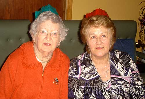 Photographed at Fethard Bridge Club Christmas Party are L to R: Annie O'Brien and Nell Broderick