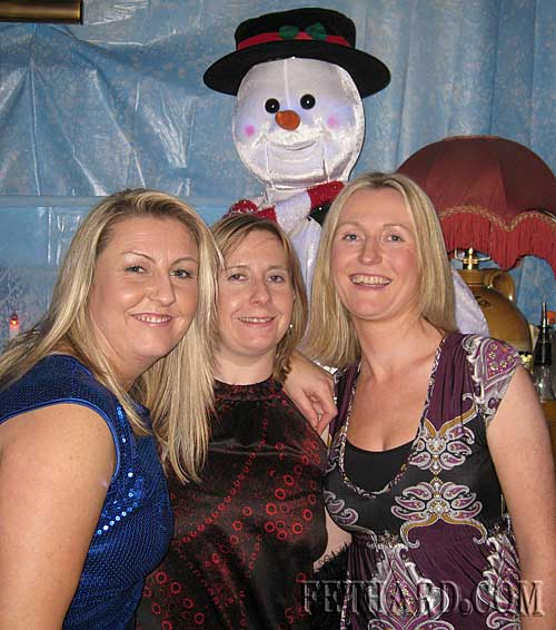 Socialising in Fethard on St. Stephen's Day were L to R: Jennifer Fogarty, Edel Fogarty and Majella Costello.