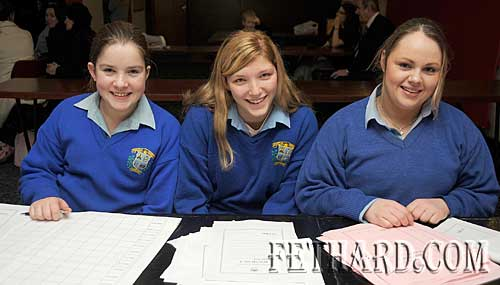 Patrician Presentation Secondary School pupils who helped with the scorekeeping in the regional Credit Union Primary Schools Quiz held in Fethard Ballroom. L to R: Molly O'Dwyer, Haley Ellis and Mary Ellen O'Reilly