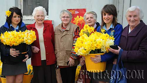 Transition Year students from Fethard Patrician Presentation Secondary School selling daffodils to customers on Daffodil Day in Fethard. L to R: Jane Kenny, Peg Gleeson, Margaret Smith, Sarah Mullins, Jean Anglim and Kitty O'Sullivan.