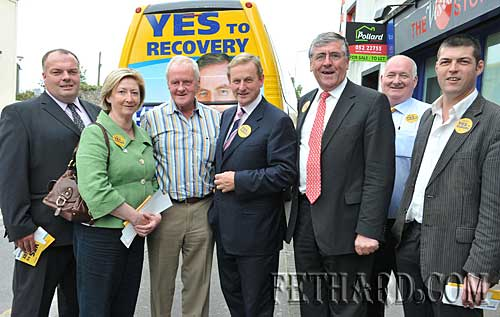Cllr Jimmy O'Brien (right) photographed with Fine Gael leader Enda Kenny while in Clonmel promoting 'Yes to Lisbon' campaign. Also included are Cllr Joe Brennan; Mayor of Clonmel, Cllr Dinny Dunne; Deputy Tom Hayes T.D. and Cllr Joe Leahy.