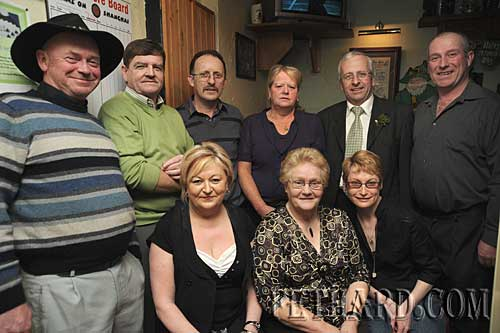 Photographed at the Fethard Hospice Support Group's St. Patrick's Day raffle held at The Castle Inn were Back L to R: Paddy Anglim, Brud Roche, Noel Sharpe, Kathleen Coen, Mattie McGrath TD, John Pollard. Front L to R: Irene Sharpe, Kathleen Connolly and Caroline Hall.
