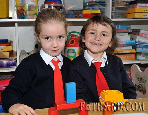 Starting school at Nano Nagle National School were L to R: Anna O'Dwyer Quigley and Ciara O'Meara.