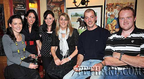 Taking part in the Fethard Macra Table Quiz held in Butlers Bar in aid of MS Ireland. L to R: Ann Kennedy, Aine Heffernan, Cathy Moloney, Ann Marie Kennedy, Ed Horan and Liam Cleary.