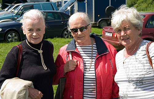L to R: sisters Rita Walsh, Rose Cudden and Ellen Tobin pictured at Killusty Show.