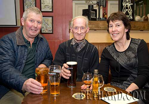 Having a chat in Tynan's Moyglass are L to R: Derry O'Dwyer, Mick Neill and Mary Tynan