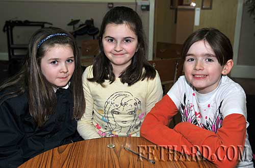 Taking part in the Fethard Area Community Games Table Quiz at Fethard Youth Centre were L to R: Chloe Nolan, Amy Cowlard and Farrah Cummins Doyle.