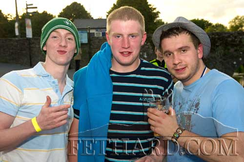 Alan Casey enjoys the evening with two of the boxers, Andy Walsh and Matt Fitzgerald.