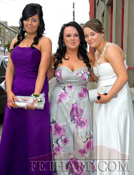 Photographed on their way to Fethard Patrician Presentation Secondary School Debs Ball are L to R: Stephanie Allen, Orla Lawrence and Aisha Tobin