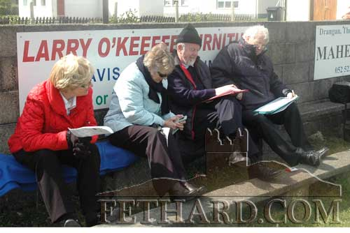 Ricky Sheehan and Waltie Moloney keeping track of the match for the media