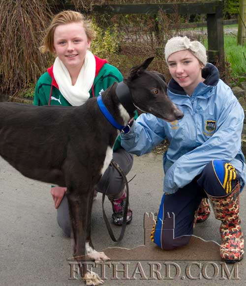 Rachel Delaney and Andrea Carroll (right) photographed with 'Carrollsdesquare', trained by David Flanagan, Sunset Kennels, Fethard.
