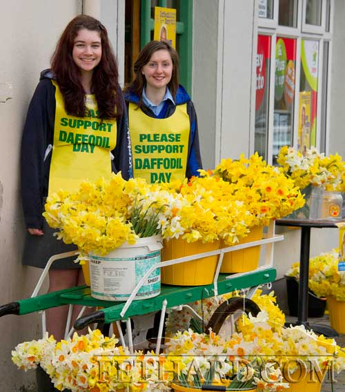Patrician Presentation Secondary School TY students helping out with this year's Daffodil Day outside Fethard Post Office. L to R: Tara Horan and Karen Hayes.