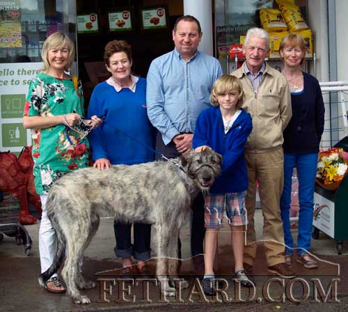 Getting ready for the Festival Dog Show on Sunday, August 19, are L to R: Catherine Corcoran, Diana Stokes, Ian Meagher, Pat Culligan, Catherine Kearney and Richard Robinson (in front) with Rí, his Irish Wolfhound.