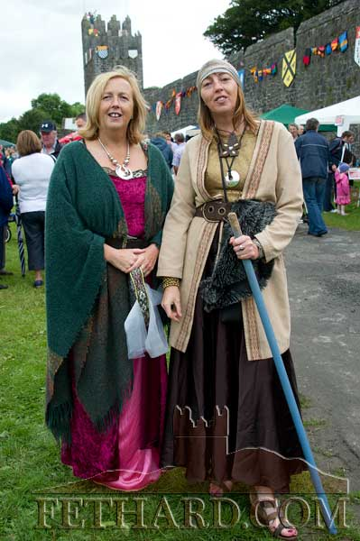 Sisters Eleanor and Kay O'Riordan at the Medieval Parade
