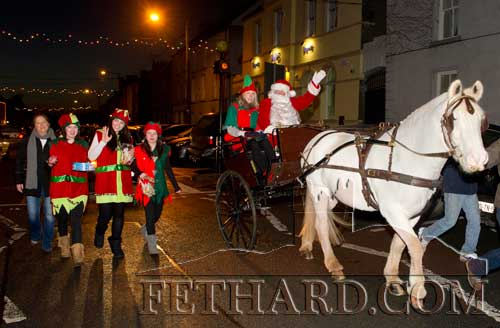 Santa and his helpers arriving in Fethard on December 7