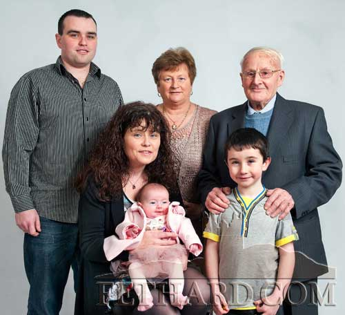 Pakie McGrath photographed with five generations of the McGrath family. Back L to R: Brian O'Sullivan, Mary Curran, Pakie McGrath. Front L to R: Edel O'Sullivan, baby Lexi O'Sullivan and Ryan O'Sullivan.