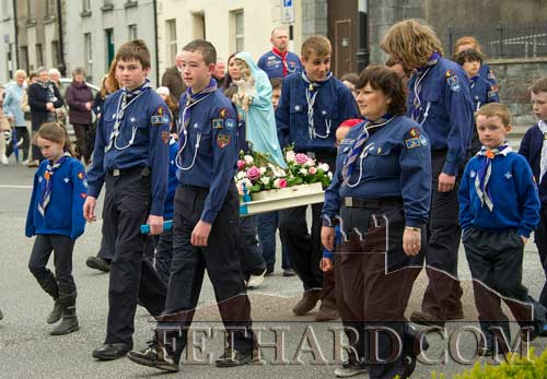 On Sunday last, Fethard Scouts are photographed carrying the statue of Our Lady in the traditional May Procession held in Fethard annually, from Holy Trinity Parish Church to the Augustinian Abbey.