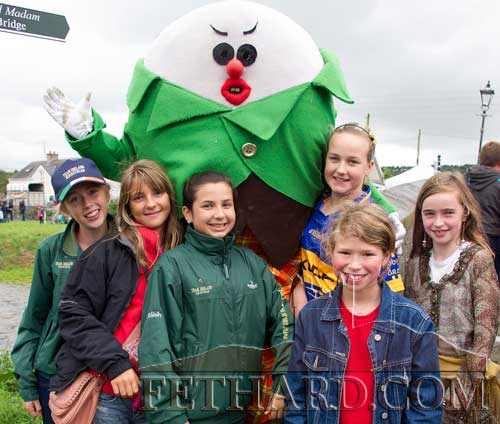 'Humpty Dumpty' meeting some 'Fethard Friends' at last year's Medieval Festival