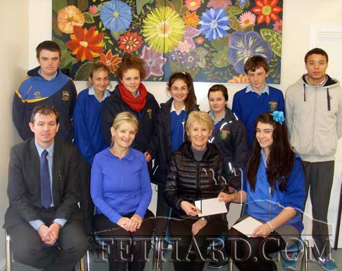 Patrician Presentation Student Council's presenting a cheque for €200 to Mrs Fionnuala O'Sullivan and Mrs Geraldine McCarthy representing Fethard & District Day Care Centre. Back L to R: James Maher, Hannah Tobin, Katie Whyte, Carly Tobin, Cassie Needham, Jack Spillane, Thomas Channon. Front L to R: Mr Michael O'Sullivan (Principal), Geraldine McCarthy, Fionnuala O'Sullivan and Tara Horan.