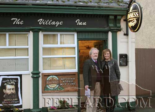 Local 'Backs to the Wall' tour guide operator, Terry Cunningham, photographed with RTE Nationwide presenter, Mary Kennedy, outside The Village Inn in Moyglass.