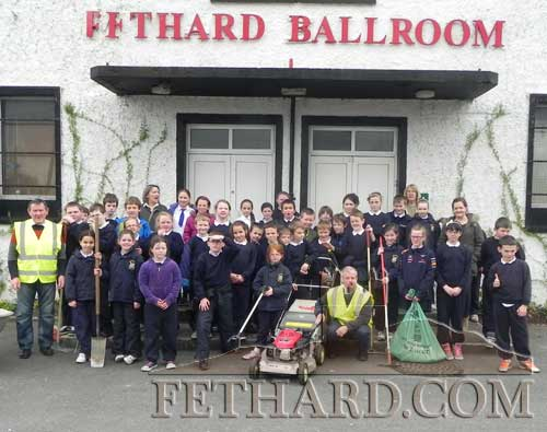 Pupils from Holy Trinity Nationals School helping the Tidy Towns with litter collection earlier this year