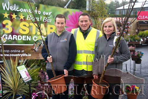 To mark National Tree Week in Fethard, CountryLife Garden Centre presented two fruit trees to Fethard Tidy Towns. The trees will be used to enhance the current landscaping project in Fethard. CountryLife Fethard would like to advise all their customers that they will now be open every Saturday from 9am to 6pm; Sundays and Bank Holidays from 1pm to 5pm, commencing from March 16. L to R: Linda Kelly, Joe Keane (Fethard Tidy Towns) and Freda Hayes.