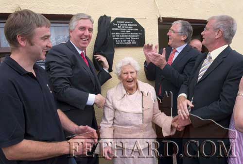 Photographed at the unveiling of the plaque to honour Con and George Moulson, Republic of Ireland Soccer Internationals (1939-1948) ar L to R: Ger Flynn Chairman Clogheen Community Council, John Delaney, CEO FAI, who unveiled the plaque, Madge Hurley, Deputy Tom Hayes, TD, Minister of State, and special guest John Moulson, son of George Bernard Moulson.