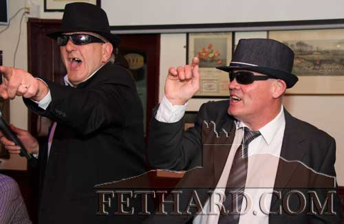 'Blues Brothers', Steve Baker and Martin Shelly singing 'Everybody Loves Somebody'
