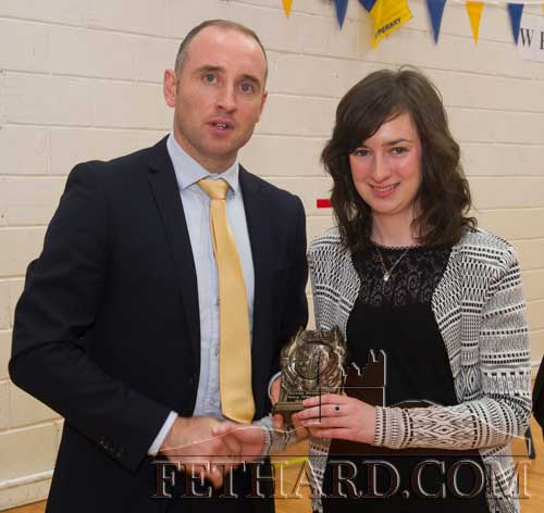 Special Guest, Eoin Kelly, presenting the Bishop Delany Award for Best Leaving Cert Results 2014 to Michelle Walsh, Killusty (550 Points).
