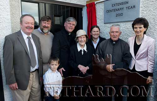 Members of the Byrne family photographed in 2010 after the unveiling of a plaque by the oldest living past-pupil, the late Mrs Chrissie Byrne, to mark the opening of the new extension at Killusty National School. L to R: John Byrne, Noel Byrne, Canon Tom Breen P.P., Mrs Chrissie Byrne, Bridget (Byrne) Gould, Fr. John Meagher OSA and Mrs Frances Harrington (Principal). In front is Jack Sheehan.