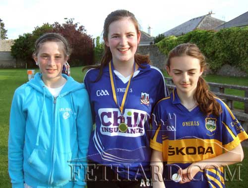 Medals winners in Fethard Community Games girls long puck L to R: Lucy Spillane (bronze), Katie Ryan (gold), and Alison Connolly (silver).