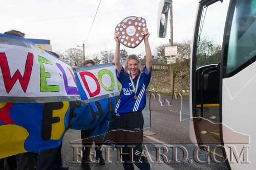 Captain Molly O'Meara arriving back to Fethard with the All-Ireland B Cadette Girls Volleyball trophy.