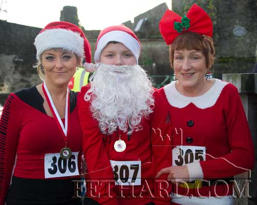 Taking part in the Fethard 'Santa Run' were L to R: Liz Hopkins, Troy O'Sullivan and Bernie Hopkins.