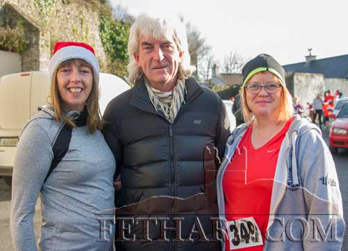 Taking part in the Fethard 'Santa Run' were L to R: Kay O'Riordan, John Kelly and Lydia Kelly