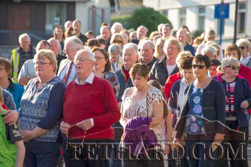 A section of the crowd taking part in the traditional May Procession in Fethard, from Holy Trinity Parish Church to the Augustinian Abbey, on Sunday last, May 7.