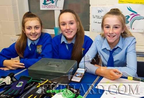 Helping at Patrician Presentation Secondary School Open Evening on Monday, November 25, are L to R: Lucy Kenny, Aoibheann Collum and Emily Spillane.