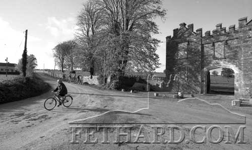 Wall repairs at Kiltinan Gate and a letter posted by bicycle. 1989