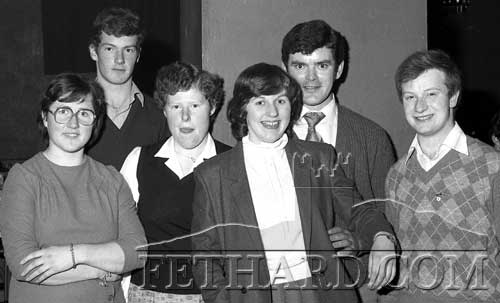 Group at the Cloneen Community Sports Centre's fundraising 'Buffet Dance' held in Fethard Ballroom on December 18, 1981.
